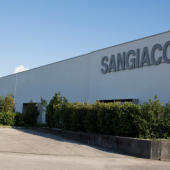 "Scm and Sangiacomo: all charm of ""smart"" tailor-made furniture"